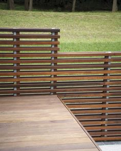 Deck railing isn't simply a security function. It can include a magnificent aesthetic to frame a decked location or deck. These 36 deck railing ideas show you how it's done! Horizontal Deck Railing, Wood Deck Railing, Deck Railing Design, Fence Design, Railing Ideas, Balcony Railing, Modern Balcony, Modern Deck, Whirlpool Pergola