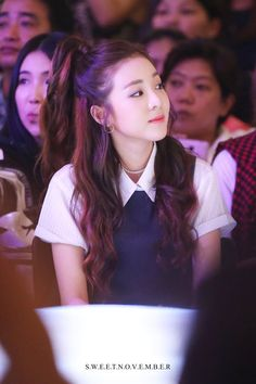 Image shared by Mrdjay Jojoe. Find images and videos about pretty, kpop and on We Heart It - the app to get lost in what you love. 2ne1 Dara, Cl 2ne1, Kpop Girl Groups, Korean Girl Groups, Kpop Girls, Super Junior, K Pop, Sandara 2ne1, Bi Rain
