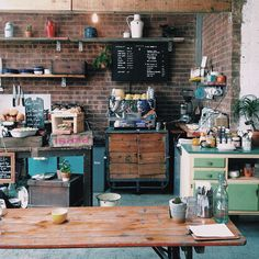 London's best cafés and coffee shops - Cute Coffee Shop, Coffee Shop Design, Cafe Design, London Coffee Shop, London Cafe, East London, Mini Cafeteria, Cute Cafe, Coffee Places