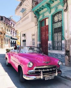 Check out our web site for more information on vintage cars. - Autos - Design de Carros e Motocicletas Carros Retro, Carros Vintage, Dream Cars, My Dream Car, Wallpaper Carros, Cute Cars, Cool Old Cars, Car In The World, Expensive Cars