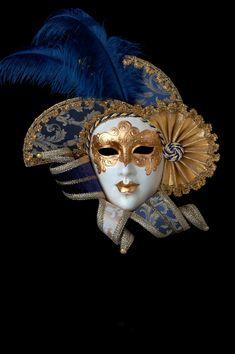 Golden Queen venetian papier mache for sale. 100% handcrafted in venice by venetian masters