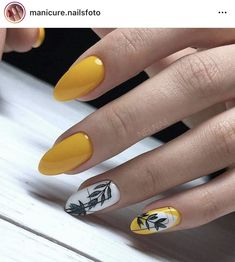Yellow Nails Design, Yellow Nail Art, Nail Art Instagram, Wedding Acrylic Nails, Wedding Nails, Short Almond Nails, Almond Nails Designs, Spring Nail Art, Easy Nail Art
