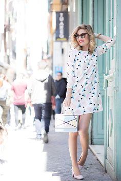 37956163364 ABRIL – Mi Aventura Con La Moda. White printed little dress+light pink pumps