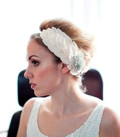 DIY? Champagne Bridal Headpiece.Side tiara Headdress with leaves.1960s. $185.00, via Etsy.