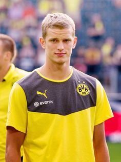 Sven Bender Soccer Gear, Soccer Stuff, Soccer Players, Athletes, Twins, Handsome, Football, Club, People