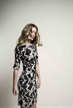 La Ligna - Pretty in Pink. Deze mooie jurk is klassiek en elegant, maar bepaald niet saai!