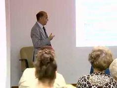 """El neurólogo Tomás Ojea ha ofrecido una conferencia dedicada a personas que cuidan enfermos con demencia. El Centro Cultural Padre Manuel ha celebrado esta charla enmarcada dentro del programa titulado """"el arte de envejecer"""". Una oportunidad que han aprovechado más de 60 personas de forma totalmente gratuita."""