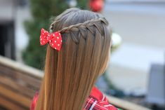 From classic braided hairstyles like french to more complicated five strand styles, check out these 40 different types of braids for unique and pretty styles. Cool Hairstyles For Girls, Oval Face Hairstyles, Cool Braid Hairstyles, Trendy Hairstyles, School Hairstyles, Updo Hairstyle, Summer Hairstyles, Wedding Hairstyles, Woman Hairstyles