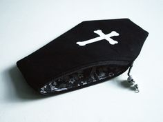 Art by Ali Horn: Coffin Purses With Ornate Lining |