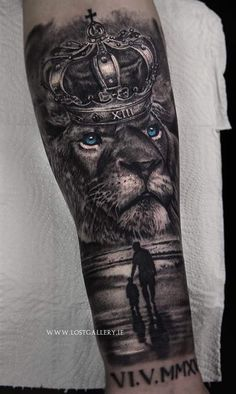 Negro - Negro for men ✌ - Lion Tattoo With Crown, Lion Head Tattoos, Forarm Tattoos, Mens Lion Tattoo, Lion Tattoos For Men, Half Sleeve Tattoos Designs, Best Sleeve Tattoos, Tattoo Designs Men, Clock Tattoo Design