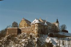 Schloss Hellenstein in Winter