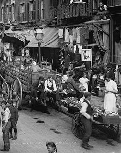 Street life on Mulberry Street, New York City, 1900