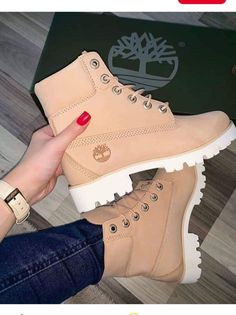timberland ,boots The post Timberlands im Sale! Link zum Shop in d appeared first on beste Schuhe. Tenis Nike Air, Nike Air Shoes, Moda Sneakers, Cute Sneakers, Shoes Boots Timberland, Timberlands Shoes, Jordan Shoes Girls, Girls Shoes, Pink Shoes