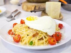 Make this budget-friendly spaghetti carbonara dinner in 20 minutes