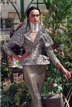 Результат поиска Google для http://www.graziadaily.co.uk/pub/21publish/f/fashion/Christian-Dior-haute-couutr.jpg