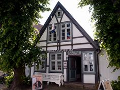 Museum of local history in Warnemünde, Germany Central Europe, Local History, Mansions, House Styles, Museums, Building, Galleries, Germany, Wall