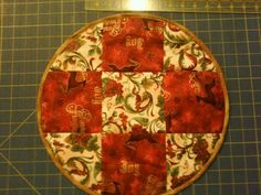 Christmas 9 patch round placemat