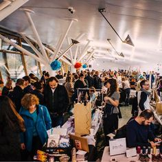 Another wonderful photo taken by @lacabinedemargaux of our very busy market last weekend #urbanmakerseast #christmasmarket