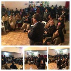 En El Alto, zona Santiago II junto a los vecinos preocupados por la falta de mercados para la exportación.