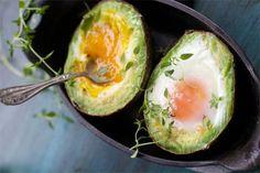 Ок, про моду на тосты с авокадо по утрам не знает только ленивый – такие тосты найдутся в любом более-менее трендовом кафе, а их рецептами заполнены фуд- и лайфстайл блоги. Авокадо обладает целым букетом полезных свойств: в нем много насыщенных жирных кислот, витамина Е и микроэлементов. При этом он хорошо хранится и у него относительно...