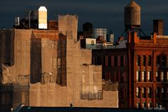 Jay Maisel - Gorgeous tones and lighting