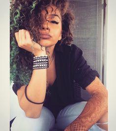 #curlyhair #hair #ombre #henna #tattoo #girl #lovemyhair #love #lips #curly #turquoise #turquoisehair #turquoiseombre #ombrehair #curlyombre #myhair #beauty #style #fashion
