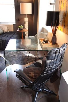 Small Space Solutions: Sources for Clear Glass & Acrylic Desks   Apartment Therapy