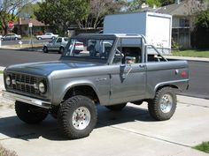 Sacrilege!!! WHY!! Why lift an uncut bronco and then take the top off!!! Chop up a cut beast, save the pure uncut.