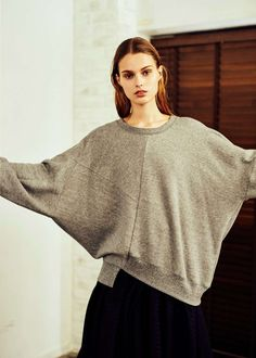 edgy outfits for winter Sweat Clothes, Going Out Outfits, Edgy Outfits, Japan Fashion, Ladies Dress Design, Refashion, Knitwear, Fashion Dresses, Women Wear