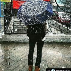 "Welcome to Madrid: Our Spring is crazy. Yes, it was snowing!  #Repost @stephp2395 (amazing pic!!) with @repostapp ・・・ ""Primavera"" en Madrid 🇪🇸🙄 #letitsnow #madrid #nieve #españa #espana #intercambio #nievemadrid #snow #snowday #snowwhite #umbrella #paraguas #white #primavera #madridcity #cold #frio #marzo"