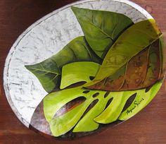 Pintura em gamela de madeira