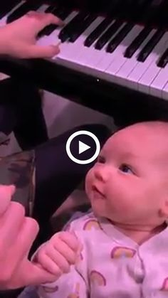 Kids Discover Great melody Mom singing for baby Giant Fluffy Dog Fluffy Dogs Cute Baby Pictures Cute Animal Pictures Little Babies Fur Babies Animals And Pets Cute Animals Laughing Baby So Cute Baby, Cute Funny Babies, Funny Kids, Funny Cute, Cute Kids, Mom Baby, Funny Baby Faces, Cute Baby Videos, Best Funny Videos