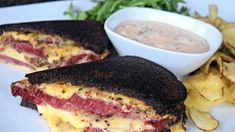 This Reuben sandwich recipe makes enough for one sandwich, including the Russian dressing. Just scale it up to make more sandwiches, and any extra dressing will keep in the fridge. If your meat is … Cooking Corned Beef, Slow Cooker Corned Beef, Corned Beef Recipes, Corned Beef Brisket, Slow Cooker Recipes, Reuben Sandwich, Alton Brown, Boiled Dinner, Dressing