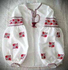 ukrainian embroidered blouse vyshyvanka bohemian by UkrNational Pakistani Fashion Casual, Pakistani Dresses Casual, Pakistani Dress Design, Kurta Designs, Kurti Designs Party Wear, Blouse Designs, Stylish Dresses For Girls, Stylish Dress Designs, Stylish Dress Book