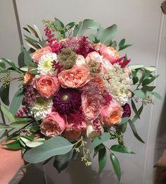 Wholesale Flowers Online, Bulk Flowers Online, Wholesale Florist, Diy Wedding, Wedding Events, Wedding Flowers, Buying Wholesale, Fresh Flowers, Floral Wreath