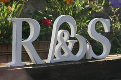 Hochzeitsdeko - Holzbuchstaben - ein Designerstück von Olefun bei DaWanda