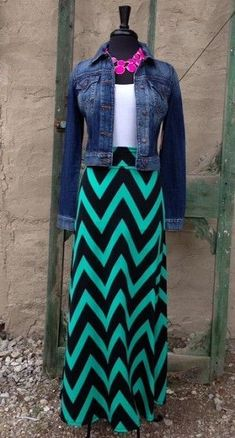Mint and Black Chevron Maxi Skirt so great with jean jacket makes the outfit or short sleeve blouse for spring? - wish I could wear a maxi skirt, Mode Outfits, Fashion Outfits, Womens Fashion, Casual Outfits, Chevron Maxi Skirts, Chevron Dress, Maxi Skirt Outfits, Mode Hijab, Modest Fashion