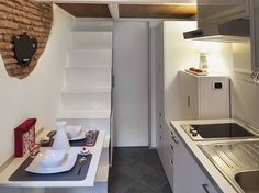 The tiniest apartment in Rome packs a lot in to 75 square feet : TreeHugger