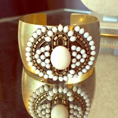 Havana cuff Stella and Dot cuff bracelet with cream cabochon stones. EUC, only used for display! Stella & Dot Jewelry Bracelets