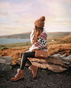 Ireland Travel Diary Southern Curls & Pearls / Dress Casually / casual outfits for women Cute Winter Outfits, Winter Fashion Outfits, Autumn Winter Fashion, Fall Outfits, Cute Outfits, Hiking Outfits, Hiking Dress, Sport Outfits, Casual Outfits