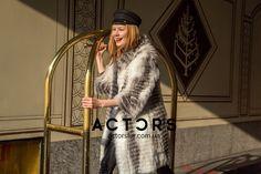Кто-то скажет, что королевы перешли на страницы пыльных книг, не считая монархические страны...хм, мы то с Вами знаем , что настоящие королевы стиля разгуливают в одежде от ACTORS улицами твоего города👸🏼💎👑 #fashionista #actorsfur #streetfashion #furstyle #look #mode #style #styles #fashionstyle #fashionworld #мехакиев #шубакиев #mifur2018 #fur2018 #fashionista Fashion Week 2018, Milan Fashion, Actors, Actor