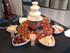 Yummy white chocolate fountain display at Sears After Hours event hosted by Ele. - Fingerfood/Partyfood , Yummy white chocolate fountain display at Sears After Hours event hosted by Ele. Mini Chocolate Fountain, Chocolate Fountain Recipes, Chocolate Fountains, Chocolate Fondue Bar, Fruit Displays, Sweet 16 Parties, Sweet 16 Birthday, Best Fruits, Diy Food