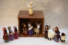 Christmas in July – Knit and Crochet Nativity Sets – free patterns cow, horse Knitted Christmas Decorations, Knit Christmas Ornaments, Crochet Christmas Gifts, Christmas Nativity Scene, Holiday Crochet, Christmas Makes, Christmas Knitting, Xmas Decorations, Nativity Sets