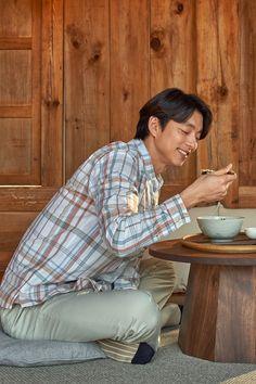 Gong Yoo Smile, Yoo Gong, Korean Men, Korean Actors, Goblin, Korean Coffee, Goong Yoo, Coffee Prince, Francisco Lachowski