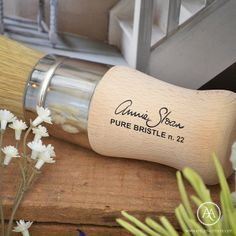 Annie Sloan™ Pure Bristle Paint Brushes at Atelier Autêntico