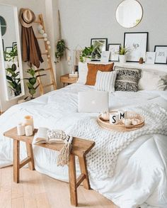 Home Decor Habitacion .Home Decor Habitacion Bohemian Bedrooms, Bohemian Bedroom Design, Boho Room, Bedroom Designs, Bohemian Decor, Bedroom Ideas, Aesthetic Room Decor, Minimalist Bedroom, Minimalist Living