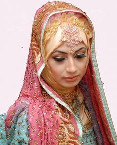 Hijab Wediing Abayas and Hijab Wedding Dress Styles muslim bride style – New, Modern Fashion Styles for Hijab Girls and Women clothing Bridal Hijab, Hijab Bride, Pakistani Bridal, Wedding Hijab Styles, Hijab Wedding Dresses, Hijab Collection, Arab Wedding, Muslim Brides, Asian Bridal