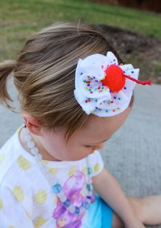 Ice Cream Party Just Jen - whipped cream hair clip for an ice cream partyJust Jen - whipped cream hair clip for an ice cream party Diy Headband, Headbands, Ice Cream Costume, Cream Hair Bows, Karneval Diy, Easy Hair Bows, Cream Hats, Cherry Hair, Baby Girl Hair Accessories