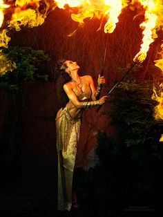 Margarita Kareva (previously) from the Russian city of Ekaterinburg is a wedding photographer making magic photos of women. She only started her photographer… Fantasy Photography, Dance Photography, Fashion Photography, High Fantasy, Fantasy Art, Fire Dancer, Magic Women, Fire Art, Shooting Photo
