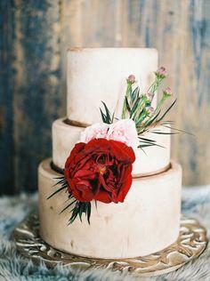 Christmas Inspired Wedding Cake - Tracy Enoch Photography - Belle The Magazine Creative Wedding Inspiration, Winter Wedding Inspiration, Wedding Ideas, Creative Wedding Cakes, Wedding Cake Designs, Pretty Cakes, Beautiful Cakes, Amazing Cakes, Valentines Day Weddings
